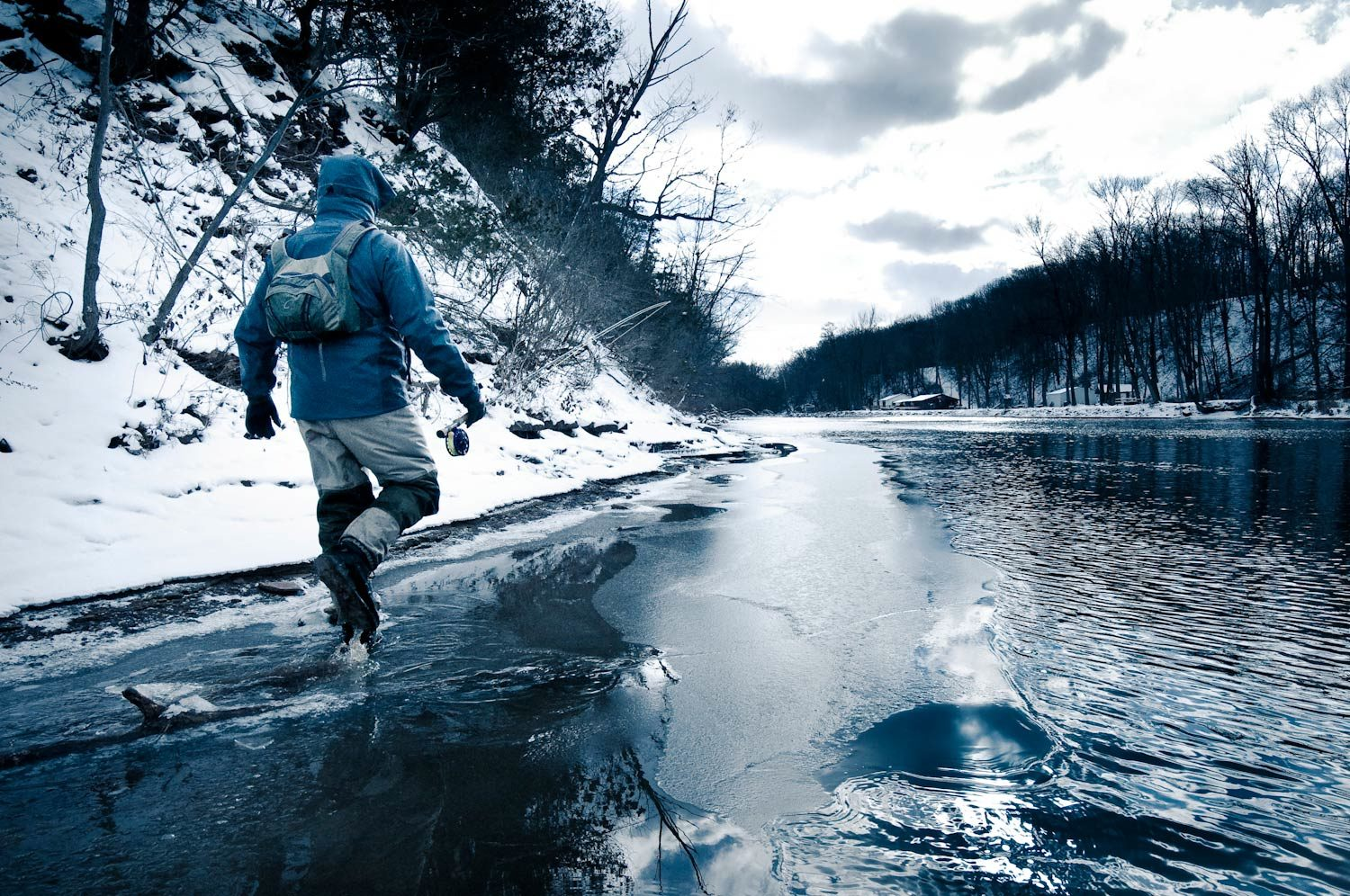 5 Tips for Beating Out the Winter Cold on the Water
