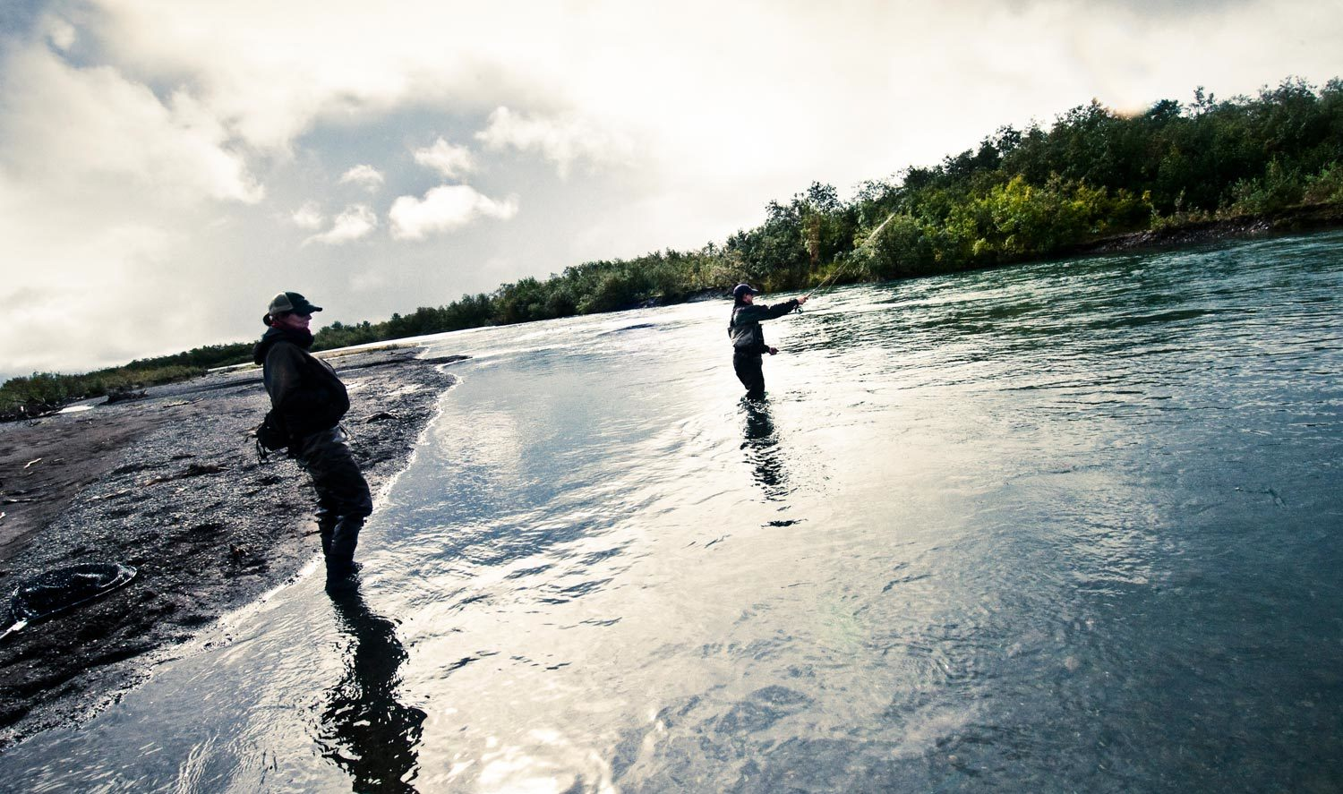 Guiding tip set your client free to build confidence for Fly fishing photography