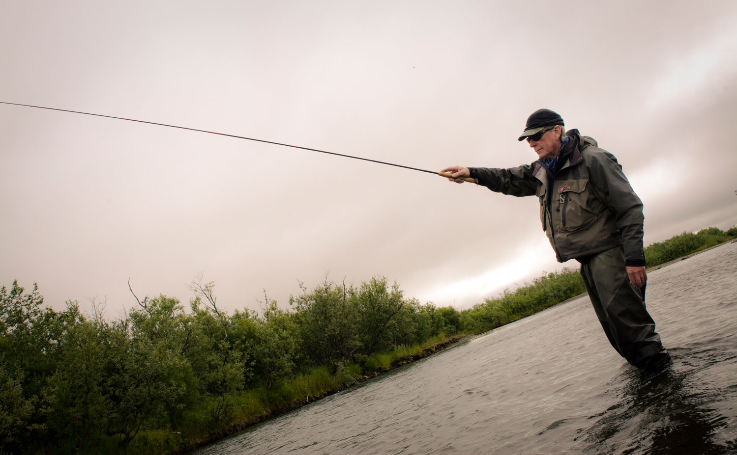 Jim Palmershime gives the tenkara rod a try Photo by Louis Cahill
